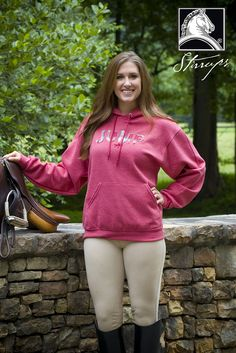 This plaid applique embroidered hooded sweatshirt will help keep you warm and cozy this fall! Request this item in your local tack … Equestrian Girls, Equestrian Outfits, Equestrian Style, Leggings Mode, Leggings Fashion, Sexy Jeans, Winter Maternity Outfits, Riding Breeches, Girls Jeans