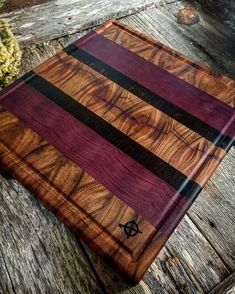 Teds Woodworking® - Woodworking Plans & Projects With Videos - Custom Carpentry Woodworking Inspiration, Woodworking Projects Plans, Teds Woodworking, Diy Cutting Board, Wood Cutting Boards, Chopping Boards, Bd Design, Wood Crafts, Diy Wood Projects