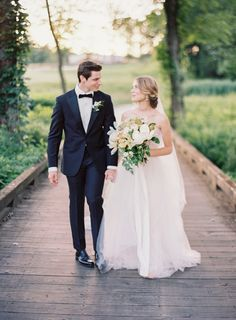 Photography : Rachel May Photography Read More on SMP: http://www.stylemepretty.com/virginia-weddings/2016/09/08/romantic-spring-editorial-wedding-inspiration/