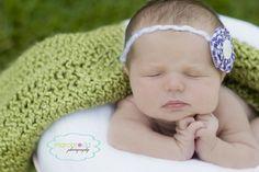 newborn; newborn photography Newborn Pics, Newborn Pictures, Newborn Session, Baby Photos, Newborn Photography, Photography Ideas, New Backgrounds, Photo Shoot, Photo Ideas
