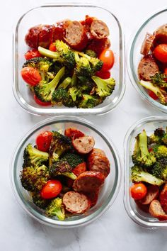 Healthy Meals A delicious One-Pan Italian Sausage Meal-Prep Bowls recipe that only a handful of everyday ingredients and it will make an easy lunch for your busy week. Easy Healthy Recipes, Paleo Recipes, Healthy Snacks, Paleo Meal Prep, Easy Meal Prep, Weekly Lunch Meal Prep, Paleo Diet, Clean Eating, Prepped Lunches