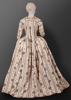 Even the pilgrims wouldn't want to wear this. 18th Century Dress, 18th Century Clothing, 18th Century Fashion, 19th Century, Historical Costume, Historical Clothing, Historical Dress, Antique Clothing, Versailles