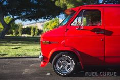 1976 chevy van – four decades of full-bodied fun! Chevrolet Van, Chevy Vans, Ride 2, Custom Vans, Kustom, Chevy Trucks, Muscle Cars, 70s Style, Fun