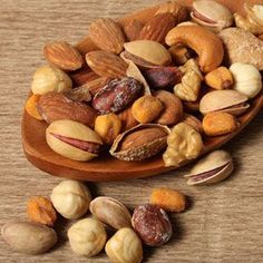 Study Finds Snacking On Nuts Helps You Live Longer - Healthy Nut Snacks - Good Housekeeping