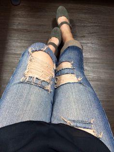 DIY distressed jeans :))