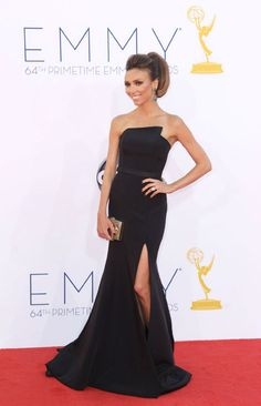 TV personality Giuliana Rancic arrives at the 64th Primetime Emmy Awards at  the Nokia Theatre on b2398c1e320