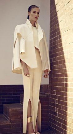 ben med slits, note to self White Fashion, Fashion Art, Editorial Fashion, Fashion Show, Womens Fashion, Fashion Design, Fashion Trends, Inspiration Mode, Sculptural Fashion