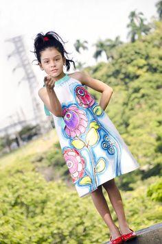 Vestido Infantil Surundundui-Pintado a mano sobre algodón 100% #ÚnicoComoTú #TallerCroquisModaIlustrada #decalisehablabien