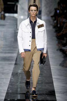 Fendi   Menswear - Spring 2018   Look 4