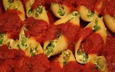Conchiglioni ripieni al forno - Per preparare una squisita pasta al forno in pochi passi, segui questa ricetta veloce e semplice dei conchiglioni ripieni di formaggio e verdure.