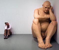 Ron Mueck: hyperrealistic sculptures