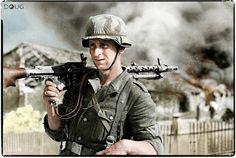 Wehrmacht Soldat mit mg 34 in der Schlacht von Stalingrad German Soldiers Ww2, German Army, Ww2 History, Military History, Luftwaffe, Mg34, Germany Ww2, German Uniforms, Ww2 Photos