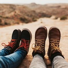 (paid link) The Best Designer Hiking Boot Brands In The World Today. --Be sure to check out this helpful article. Snow Boots, Winter Boots, Barefoot Boots, Climbing Outfits, Best Hiking Shoes, New Mode, Doc Martens Boots, Yellow Boots, Hiking Boots Women