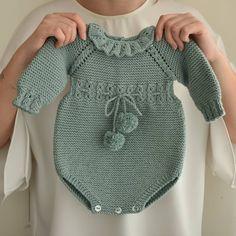 Knit Baby Pants, Knit Baby Dress, Crochet Baby Clothes, Knit Vest, Knitting For Kids, Baby Knitting Patterns, Bobbin Lace Patterns, Baby Crafts, Crochet Top