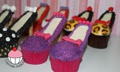 Video Detail for Stiletto Cupcakes! Decorate High Heel Shoe Cupcakes - A Cupcake . High Heel Cupcakes, Stiletto Cupcakes, Cupcake Cakes, Cup Cakes, Pink Cakes, Amazing Cakes, Beautiful Cakes, Cake Pops, Brownie Cookies