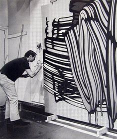 Artist Roy Lichtenstein breaking from his pop art colors to work in black and white. Roy Lichtenstein, Pop Art, Artist Art, Artist At Work, Famous Artists, Great Artists, Studios D'art, Frank Stella, Art Brut