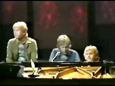 "▶ Harry Nilsson-""Walk Right Back/Cathy's Clown/Let the Good Times Roll"" (1971) (3/7)"