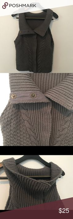 Soft Surroundings gray cable knit sweater vest EUC Smoke and pet free home. Bundle discount 20% Soft Surroundings Sweaters