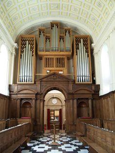 Clare College: chapel organ