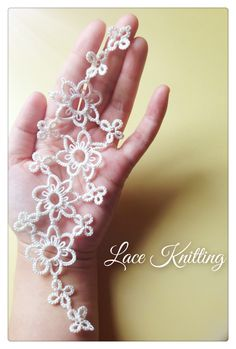 DIY lace in antique style with small pearls #tatting