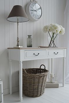 The Chic Technique: Shabby chic country living room. Decorate your home in our f… The Chic Technique: Shabby chic country living room. Decorate your home in our french style shabby chic white furniture Shabby Chic Flur, Shabby Chic Hallway, Estilo Shabby Chic, Shabby Chic Living Room, Shabby Chic Bedrooms, Shabby Chic Homes, Shabby Chic Decor, Cottage Hallway, Hall Furniture