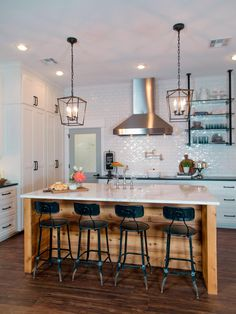 Chip and Joanna Gaines of HGTV's Fixer Upper help a former Baylor football player and his wife turn a generic '80s-era house in a Waco suburb into an inviting home that's both visually impressive and family friendly.