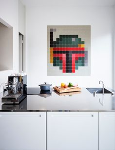 Did you ever imagine that you can use the worlds most famous bounty hunter as wall art in your kitchen? With IXXI you can. www.ixxidesign.com/starwars #IXXI #StarWars #ixxiyourworld #starwarsbyixxi #TheForceAwakens #bobafett