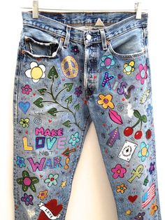 Items similar to Hand Painted Psychedelic Vintage Levis 501 Jeans By Leslie Hamel on Etsy Painted Jeans, Painted Clothes, Hand Painted, Diy Clothing, Custom Clothes, Jean Hippie, Hippie Jeans, Denim Fashion, Boho Fashion
