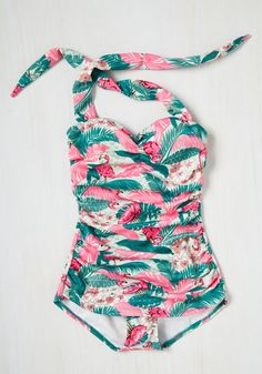 Never Been Better One-Piece Swimsuit in Flamingos. Beach weather certainly dazzles you, so sunbathe the day away in this Bettie Page swimsuit! Fun One Piece Swimsuit, One Piece Swimwear, Flamingo Party, Pretty Outfits, Cute Outfits, Vintage Bathing Suits, Bathing Beauties, Pink Flamingos, How To Feel Beautiful