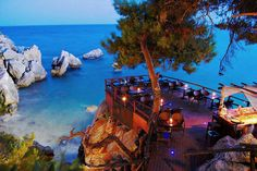 Seaside Restaurant , Taverna in Paliouri , Halkidiki , Greece Thessaloniki, Beautiful Places To Visit, Wonderful Places, Albania, Places To Travel, Places To See, Halkidiki Greece, Corfu, Seaside Restaurant