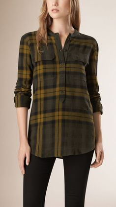 Burberry women's shirts and tops refined through pattern and proportion, in silk and cotton. Kurti With Jeans, Casual Chique, Beachwear Fashion, Altering Clothes, Simple Shirts, Dress Shirts For Women, Junior Outfits, Blouse Styles, Fashion Outfits