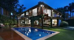 Architecture luxury home builder in tritmonk pictures of exterior modern tropical house design inspiring architectural concept Modern Tropical House, Tropical House Design, Tropical Houses, Tropical Paradise, Big Houses With Pools, Pool Houses, Small Houses, Design Exterior, Modern Exterior