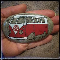 Folkisbussen Ture #volkswagen #volkswagenbus #handmade #strand #fridhem #hav #stenfrånhavet #sweden #gotland #visby #vibble #stoneart