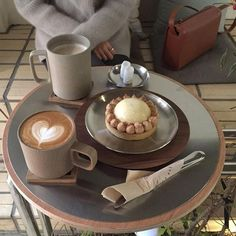 ImageFind images and videos about bts, food and aesthetic on We Heart It - the app to get lost in what you love. Cream Aesthetic, Aesthetic Food, Coffee Dessert, Coffee Drinks, 17 Kpop, Brunch, Cafe Food, Coffee Break, No Cook Meals
