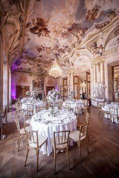 wedding Vienna, Austria, Hetzendorf castle, main hall, gold, blush, blue, frescos, elegant wedding photo: weddingreport.at Vienna Austria, Palaces, Elegant Wedding, Castles, Blush, Home Decor, Ideas, Princess Wedding, Princesses