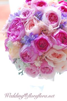 イブミオラ、イブピアチェ、ピンクイブピアチェ、ユカカップのバラのラウンドブーケ delivered to アニヴェルセルみなとみらい FLORAFLORA*precious flowers*ウェディングブーケ会場装花&フラワースクール* Rose YvesPiadget YvesMiora PinkYvesPiadget YukaCup… fregrant rose bridal bouquet Flower Bouqet, Seashell Bouquet, Rose Bridal Bouquet, Pink Rose Bouquet, Fall Wedding Bouquets, Bride Flowers, Bridesmaid Bouquet, Floral Wedding, Wedding Flowers