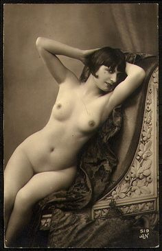4 nudes