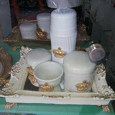 Kit higiene provençal de príncipe.Elba Ateliê D'Luxo.81) 3095-8559 Rua Vidal de Negreiros.Centro-Caruaru/PE #kitdebebê #kit #kitprincipe #rei #principe #bebê #bebe #maternidade #criança #mamaes #mae2015 #meninos #Artesanato #Ateliê #AteliêDLuxo #baby #decor #decoracao #luxo #luxury #lux