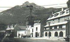 The Aerial Ropeway crossing the Main Road in Simon's Town. It operated between 1904 and 1934 and took supplies and personnel from the West Dockyard to the Royal Naval Hospital and the Sanatorium. Antique Maps, Vintage Maps, Vintage Photos, Cape Town South Africa, Paris Cafe, City Maps, Most Beautiful Cities, Tour Eiffel, Old City