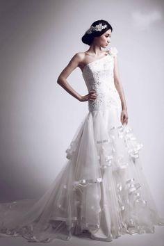 fashion wrinkled dress trend 2013 Wedding Dress Trends, Wedding Dresses, Blog Online, One Shoulder Wedding Dress, Fashion Dresses, Culture, Bride Dresses, Fashion Show Dresses, Bridal Gowns