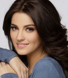 Maite Perroni is an absolute Mexican beauty. She can sing and act and she's definitely eye candy. Beautiful Eyes, Beautiful People, Beautiful Women, Face Hair, My Hair, Mexican Actress, Celebs, Celebrities, Divas