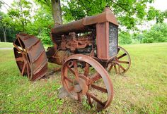 Fordson Tractor - Photo by Chris Leow. Antique Tractors, Vintage Tractors, Vintage Farm, Vintage Trucks, Old Trucks, New Tractor, Train Truck, Crawler Tractor, Ford Tractors