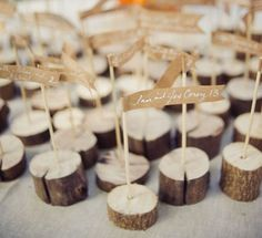 Wood and Kraft Seating Arrangement Labels