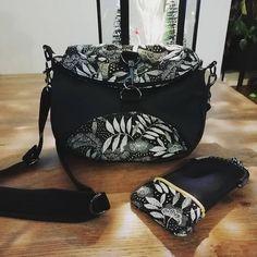 Séverine Plaziat Brochet sur Instagram: Ça y est, il a été offert. Un sac bandoulière Limbo de Sacotin qui se transforme en sac à dos. Idéal pour les virées shopping…