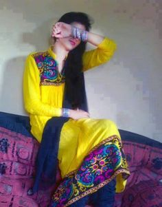 Latest Sms, Hindi Sms, Birthday SMS, Cool SMS: Tujhe Hum Chorr DeIn LeKiN..... Cute Girl Poses, Cute Girl Pic, Girl Photo Poses, Cute Girls, Girls Dp Stylish, Stylish Girl Images, Dps For Girls, Cool Girl Pictures, Girl Number For Friendship