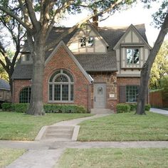 brick and low contrast stucco/trim combo