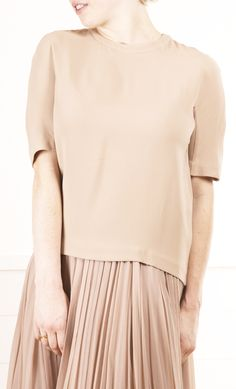 chloe- pleated hem detail