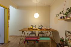 Decoração de: Sala de jantar; mesa de cavaletes; Casa de Valentina