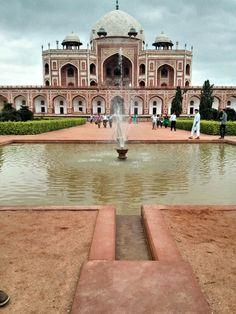 Humayun's Tomb in New Delhi, Delhi an inspiration for Taj Mahal the tomb is a part of a serene complex