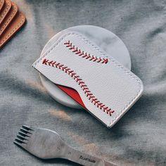 "175 Likes, 3 Comments - SUNDAYSKA • WORKROOM (@sundayska) on Instagram: ""⚾️✉️ 야구공카드케이스 완성 . . #leathercraft#baseball #sundayska#썬데이스카#가죽공예"""